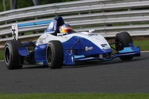 Dean Smith is racing in the Formula Renault UK Championship with Manor Competition in 2009