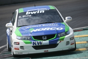 Ryan Sharp in the 2006 World Touring Car Championship with JAS Motorsport
