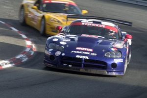 Ian driving the Dodge Viper GT3 at Pau, France in the 2006 British & French GT Championship