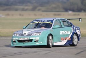 Phil in the PSP Proton at Thruxton 2003