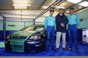 Phil with James Thompson at Silverstone's BTCC 20001 meeting