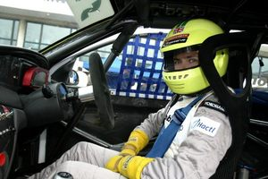 Simon at Macau 2002 in the Guia Touring Cars
