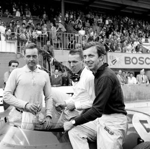 Tony with fellow Ferrari drivers Phil Hill and Dan Gurney at the 1959 German GP